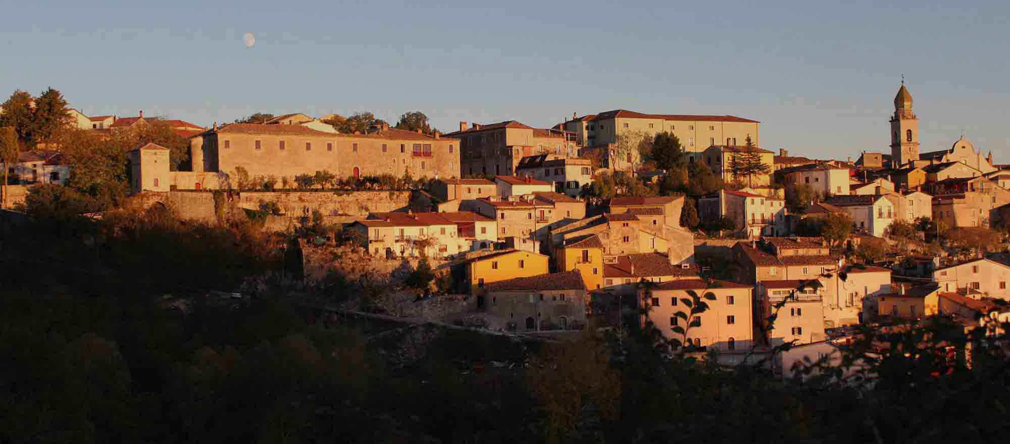 Santa_croce_del_sannio_al_tramonto